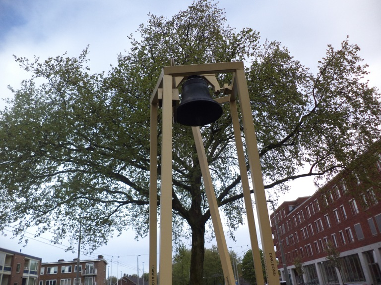 klok op Sint Gangulphusplein