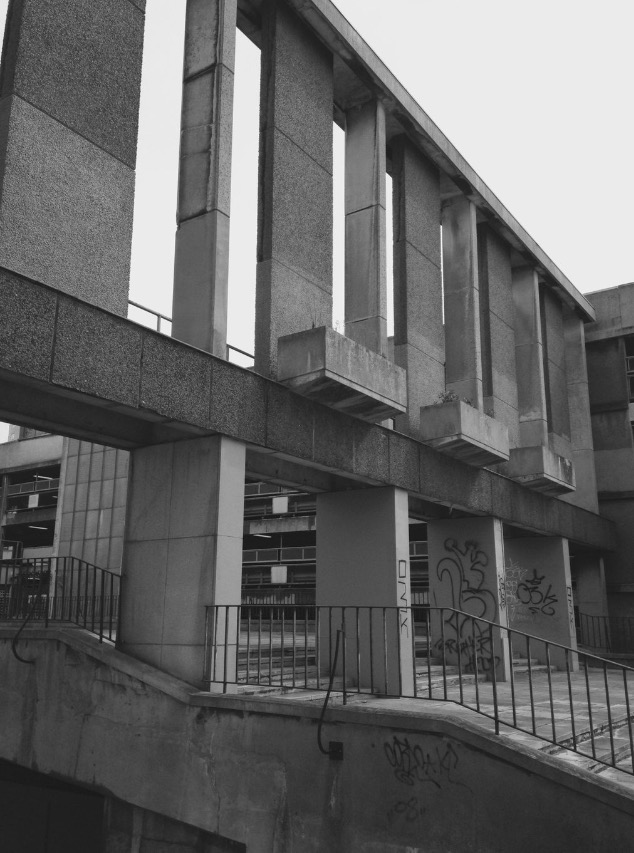 Arnhem Gate, Croydon